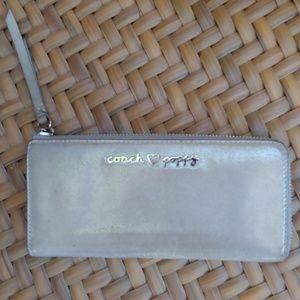 Coach ❤ Poppy Metallic Beige Leather Wallet